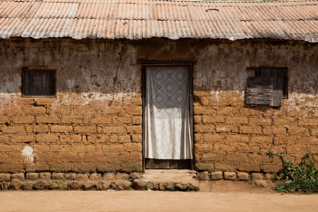 A home in Tongo Gadima, East Cameroon. © Dominique Catton.