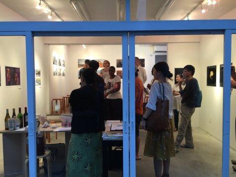 Visitors arriving to OGU MAG Gallery. Image: Arakawa Africa.
