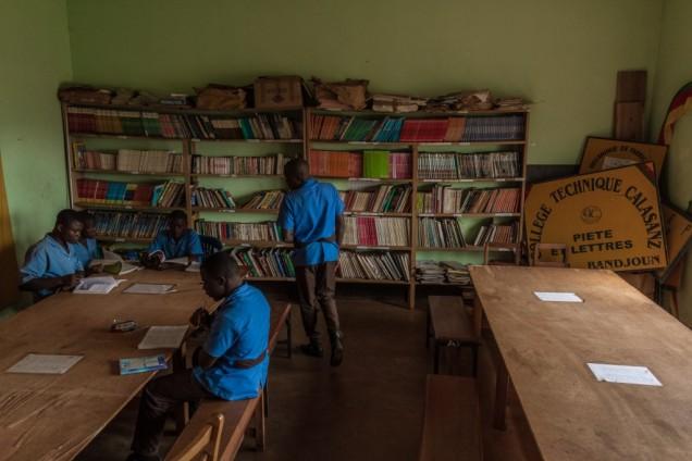 Library, Collège Calasanz. Magom area. © Yvon Ngassam.